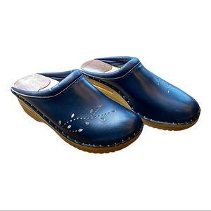 Troentorp Womens O'Keefe Clogs Leather Navy Blue